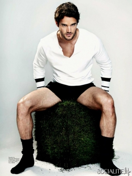 thom evans attitude photoshoot and cover (3)
