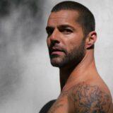 """Ricky Martin pega os fãs de surpresa com o lançamento do EP """"Pausa"""""""